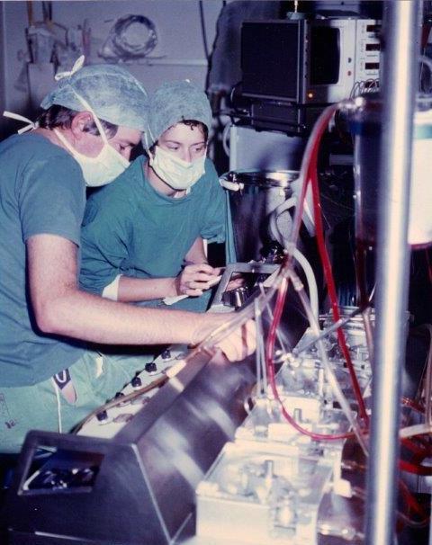 Aitch & Barnard at the heart-lung machine