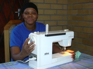 Thembi sewing course (2)