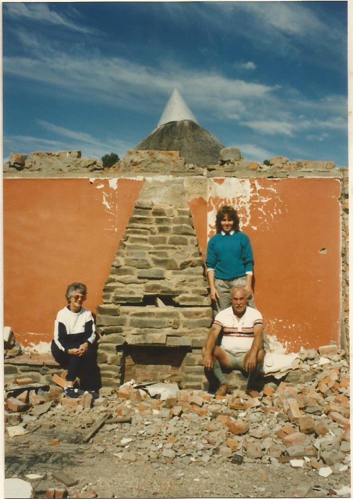1990 Birdhaven Mum, Dad & Sheila